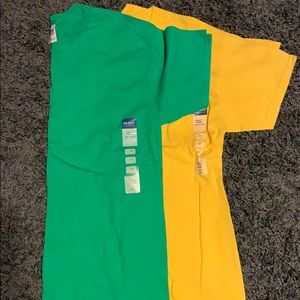 Gildan colored tees - NWT